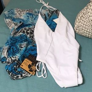 Zaful White Swimsuit 8 & Dressed In Case Cover New
